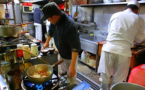 年4~5品の商品開発と商品化|長岡市の美味しい餃子・ラーメン・定食 金子屋